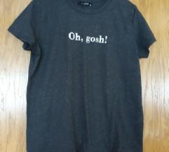 Nova tamnosiva majica s etiketom