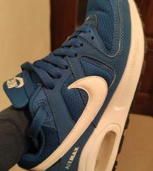 Nike tenke