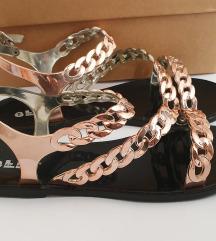 Gumene sandale s lancima