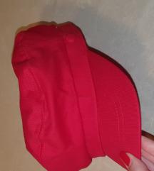 Kapa crvena New yorker