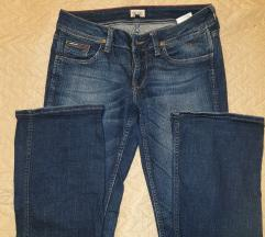 TOMMY HILFIGER FLARE TRAPERICE (28)