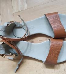 Guliver nove kožne sandale, vel 37