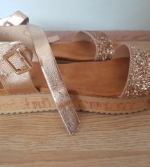 Novo - zlatne sandale