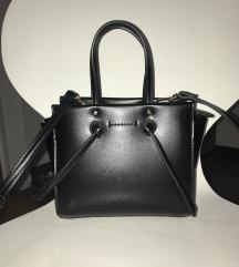 2 torbice (crna i krem) PT. UKLJ.