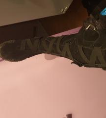 puma visoke čizme stil rimljanki