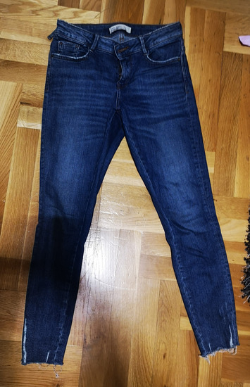 Zara traperice 36