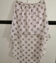 Asimetrična bijela suknja s uzorkom