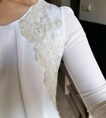 Košulja sa zlatnim detaljima