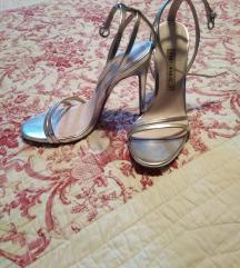 Zara srebrne sandale na petu/36
