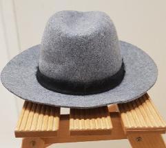 Zara sivi šešir
