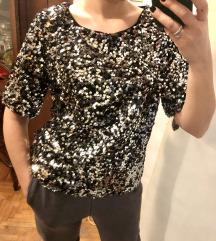 H&M majica s etiketom