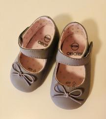 Nove cipelice za bebe
