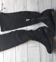 Cizme iznad koljena