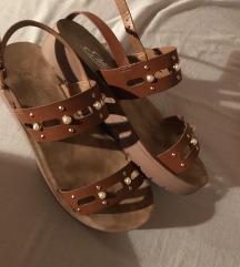 Sandale + 1 gratis