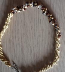 ogrlica drvene perlice s poštom