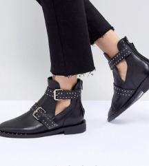 STRADIVARIUS kozne cizme/gleznjace