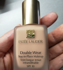Double Wear Stay-In-Place Makeup (30 ml)