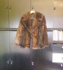 Smeđa krznena bunda