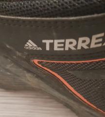 Adidas terrex 43.5
