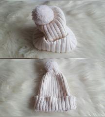 Bijela pletena kapa