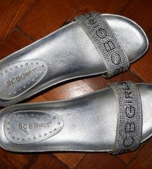 BCBG srebrne natikače