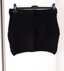 AMISU uska crna mini suknja