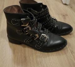 Kozne cizme s remencicima
