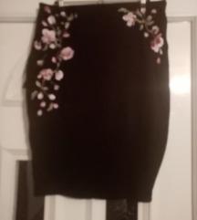 Suknja s uzorkom ruža