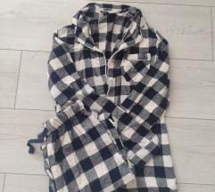 Dvije Primark pidžame