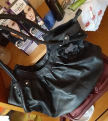 Crna torba sa ruzom, srednje velicine
