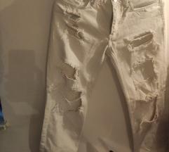 Bijele poderane hlače Mango