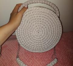 Ručno heklana torbica