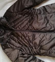 posebna bakreno smeda jakna, pernata