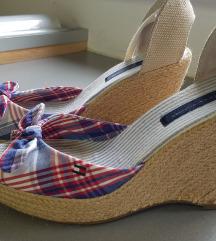 Tommy Hilfiger sandale špagerice