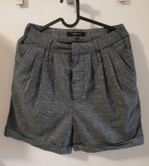 Kratke hlačice vl.34