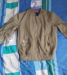 Tanka zelena jaknica