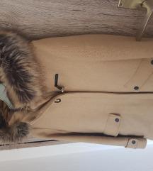 Zara kaputic broj 134 ali paše na xs