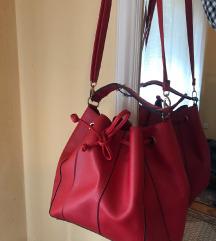 Crvena bucket torba