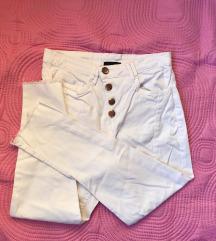 Ugodne bijele hlače
