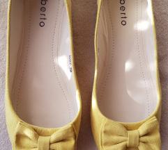 Žute balerinke