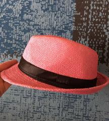 Slamnasti šeširić br.52