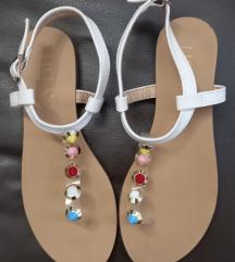Licean sandale, potpuno nove