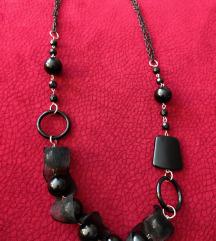 Crna ogrlica s perlama