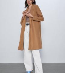 Zara kaput s etiketom