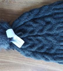 Nova crna zimska kapa