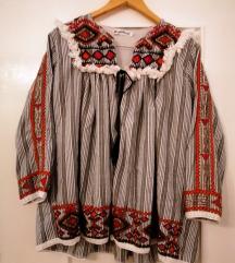 Etno košulja s ukrasima