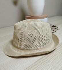 Pleteni končani šešir