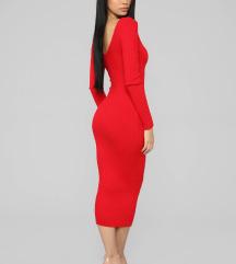 Crvena pletena midi haljina