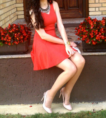 Narančasta haljina
