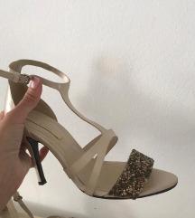 ZARA krem bijele sandale na visoku potpeticu